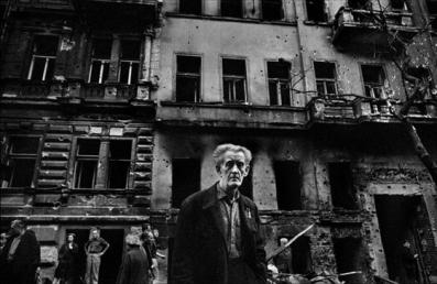 josef-koudelka-praga-1968-11